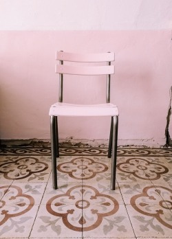 the finished chair with brushed aluminium legs and blush pink seat & back